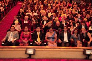 Main characters and crew on the first row in Tuschinski